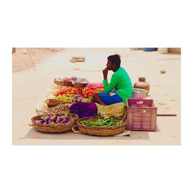 Spotting vegetable vendors on rural road trips. 🚲  #travel #fashion #incredibleindia #slowfashion