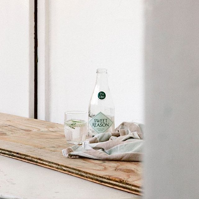 The all-natural, CBD-infused sparkling water based in Toronto. We spoke with Sweet Reason founder Hilary McCain about how these beverages make it simpler than ever for people to access the benefits of the plant without reservations, how they only use natural ingredients, and what steps they take to stay sustainable. Read more on seekminimal.com | photo: @drinksweetreason