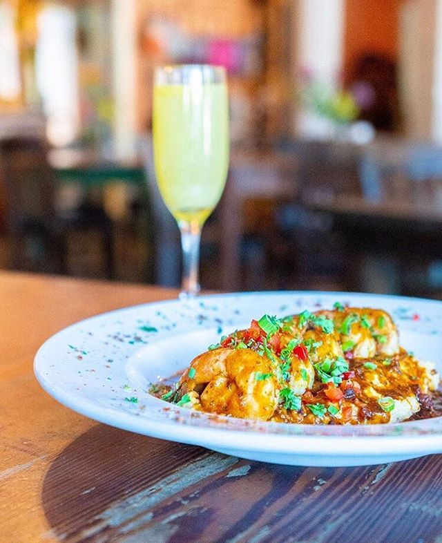 Just because it's Tuesday doesn't mean we're not already thinking about brunch..🍾 Check out this lovely photo by @bradybigalke of @Cafe_Karibo's speciality shrimp & grits and enjoy happy dreams of mimosas. 😍
