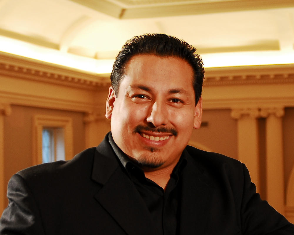 Tenor Edgar Jaramillo performs the role of Turiddu in Cavalleria Rusticana. Photo: Scott Yeckes