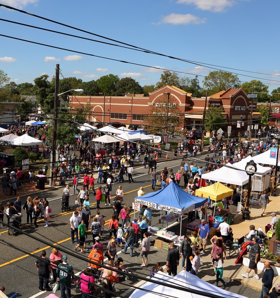 Pumpkin_Festival_Crowd-963x1024.jpg