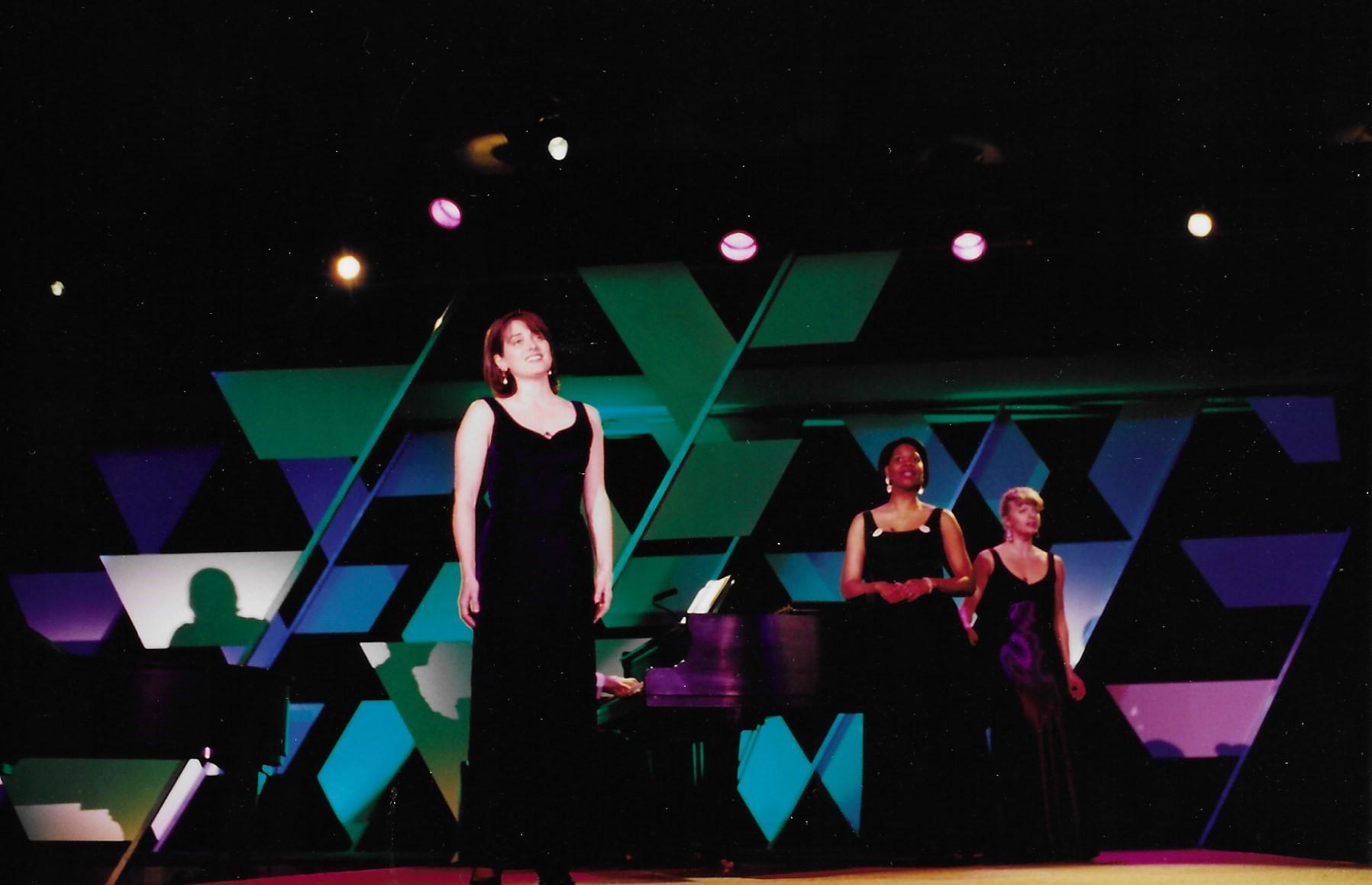 Astra revue women trio.jpg