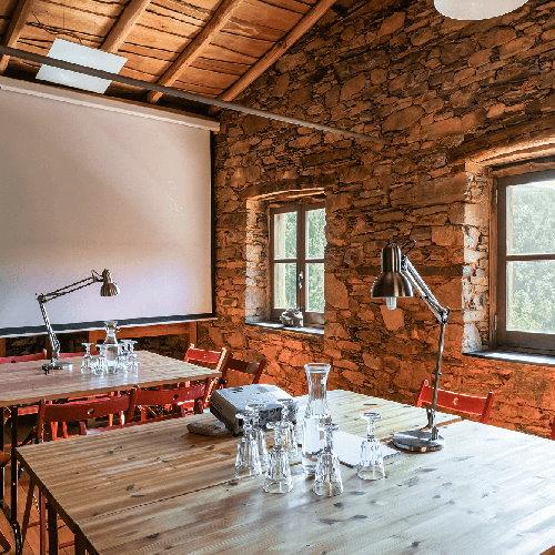 retiros para empresas meeting room