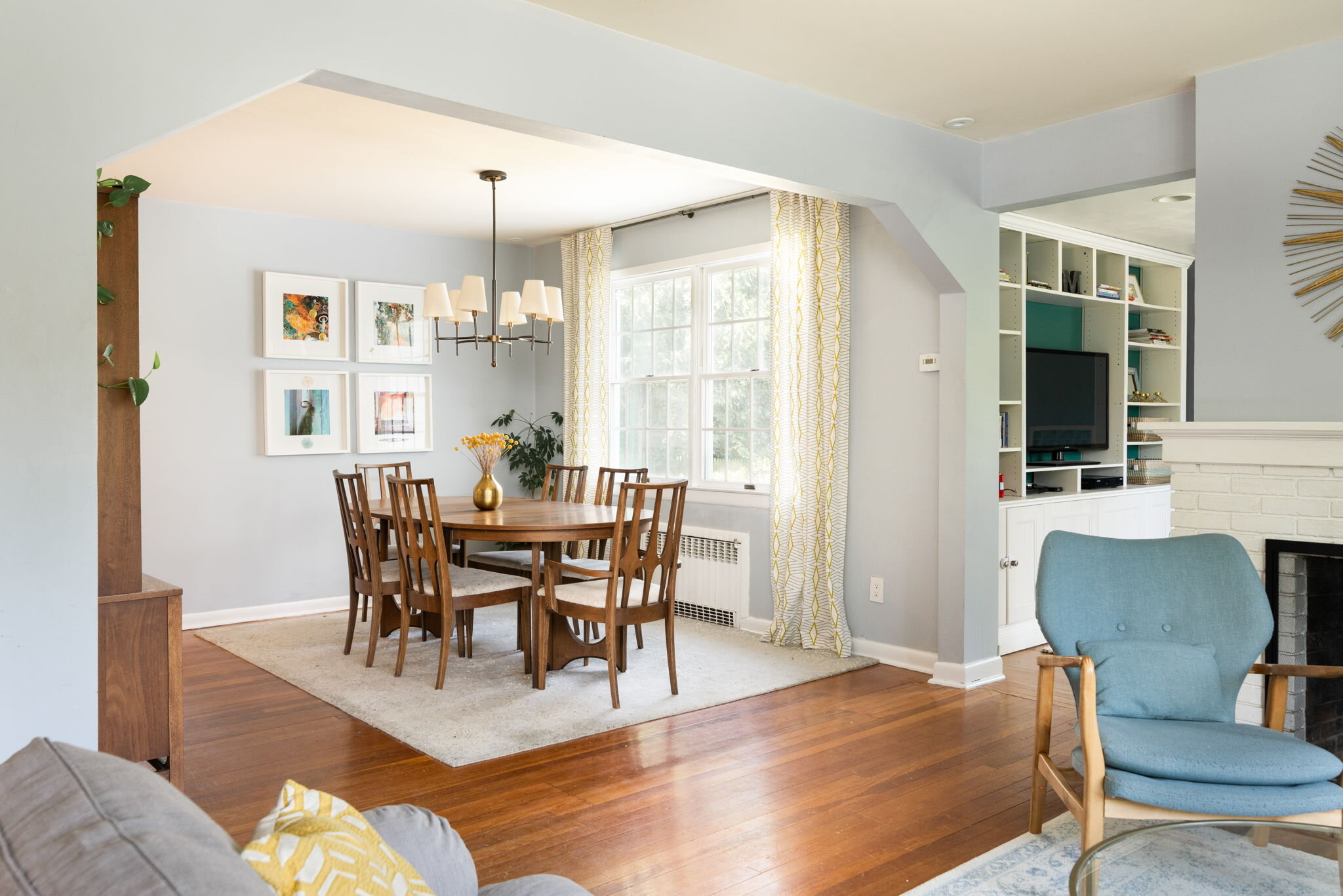 Interior lights off - this home had fantastic natural light.