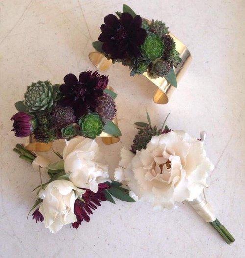 Flora's Muse, Wedding Flowers & Corsage, Maine.