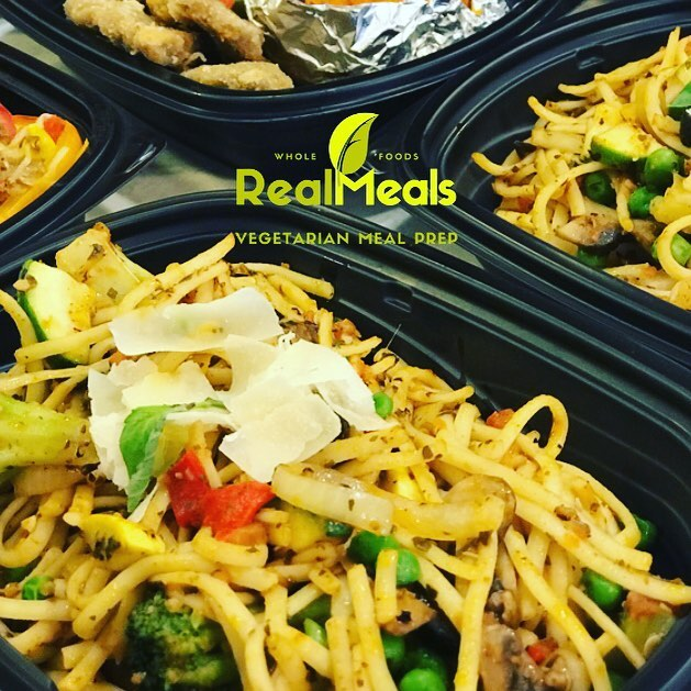 Order deadline 🚨 All pickup/delivery orders for Friday are due tonight! • Don't spend all your time meal prepping. Let us do it for you. 🍽😊 ————— Check out this week's menu. Link in bio. . #whatveganseat #healthiswealth #veggieprimavera #pasta #pesto #roastedbellpeppers #onion #zucchini #squash #peas #broccoli • .