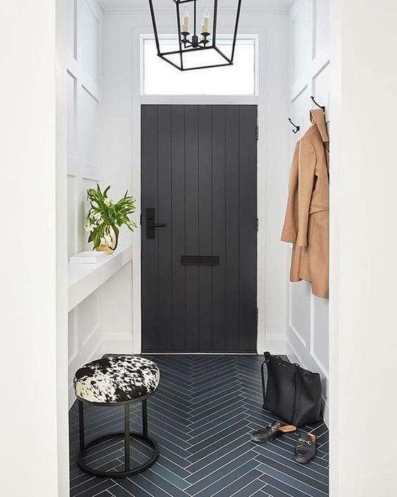 small entryway.jpg
