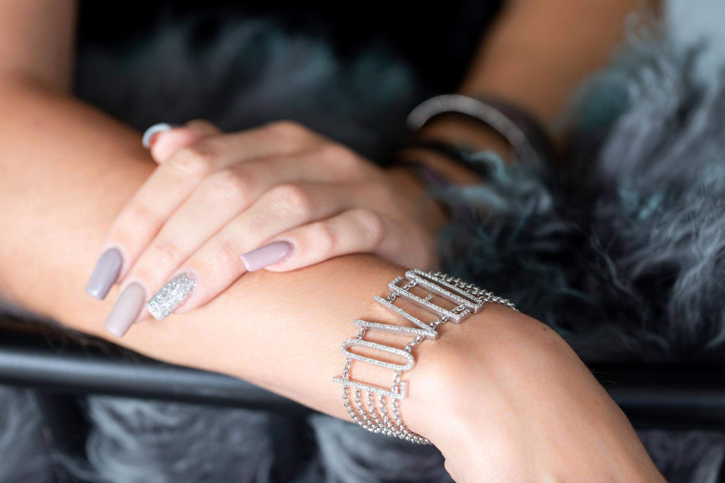 DIAMONDS WITH ATTITUDE