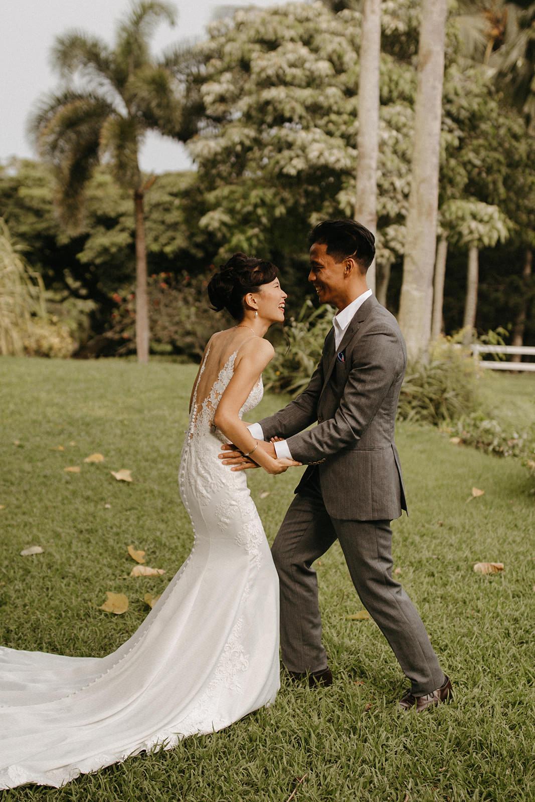 Kualoa_Hawaii_wedding_paliku19.jpg