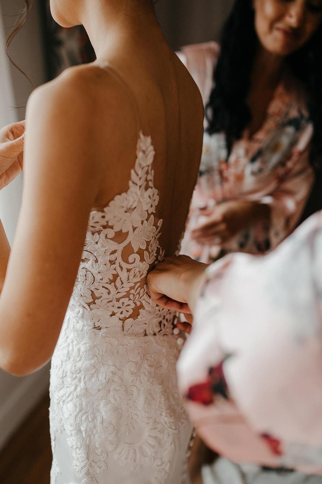 Kualoa_Hawaii_wedding_paliku11.jpg