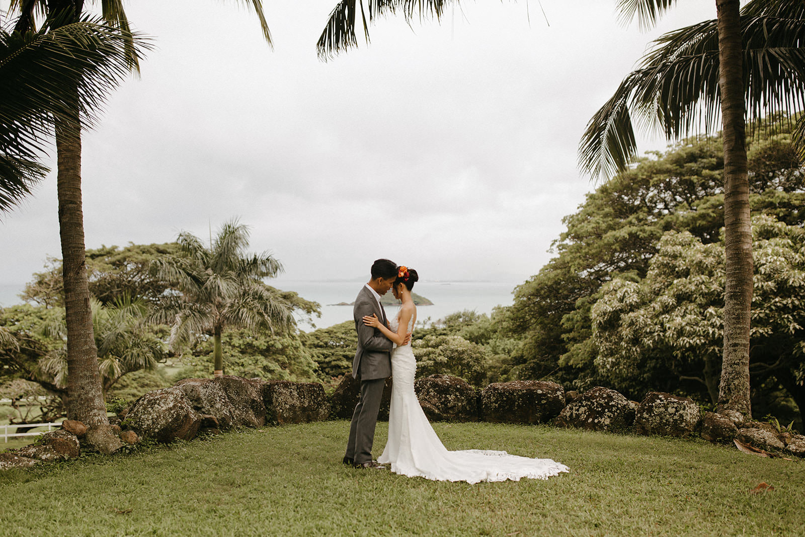 Kualoa_Hawaii_wedding_paliku20.jpg