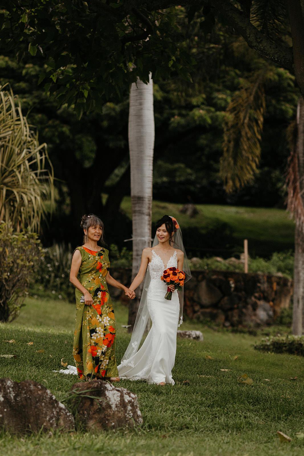 Kualoa_Hawaii_wedding_paliku24.jpg