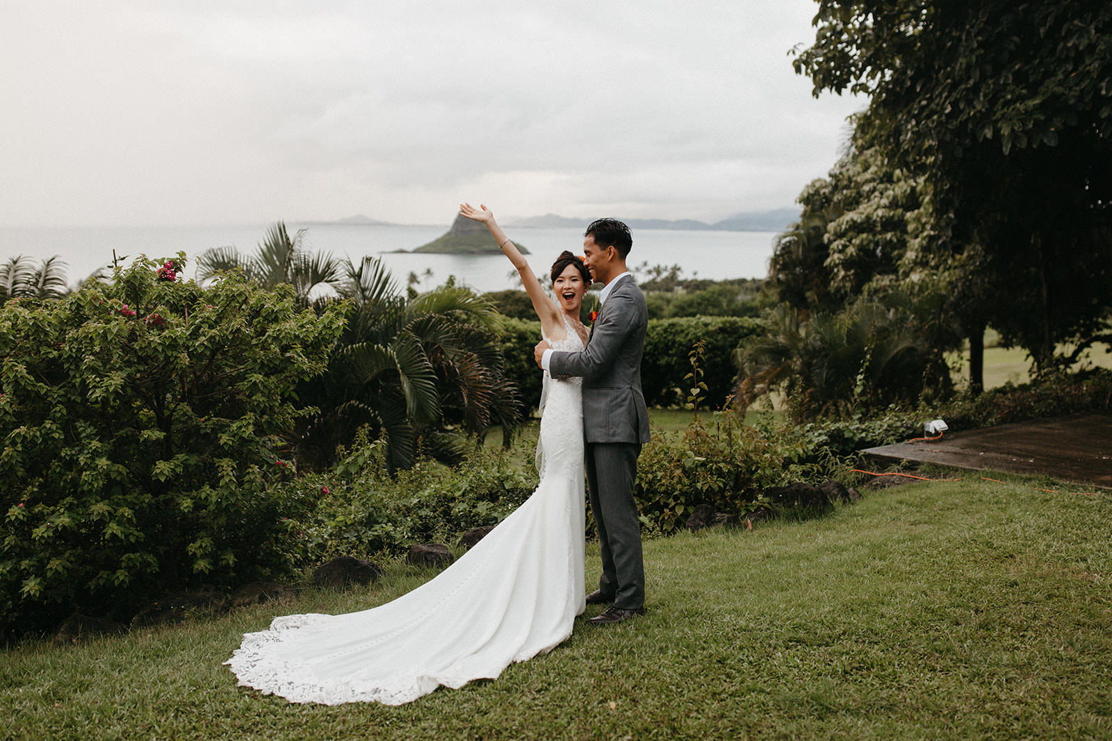 Kualoa_Hawaii_wedding_paliku30.jpg