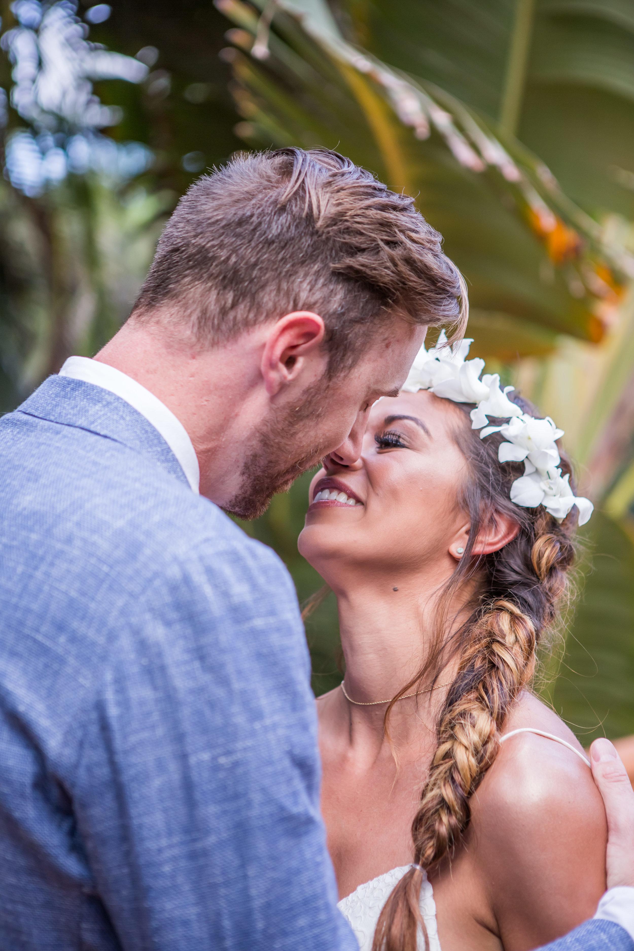 Angelica and Tyler's tropical wedding 11.jpg