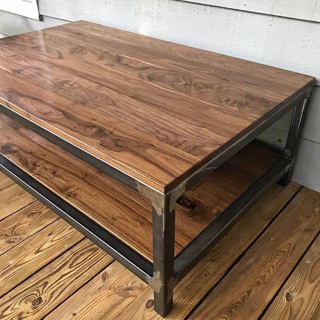 Realized I never posted a finished photo of this walnut and steel coffee table from a few months back. The light was much better on the front porch than in the living room so I took full advantage. It will be a central gathering place for many late night board games and early morning caffeine boosts 😊