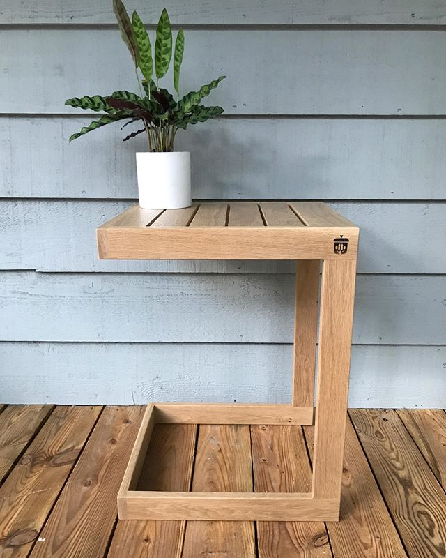 Wrapped up the outdoor white oak side table last night. This one will live on our covered front porch however it will see the late afternoon sun - so I opted for a topcoat with UV absorbers to keep it looking 💯for many years to come (@generalfinishes exterior 450). - The new HVLP gun from @earlex_woodworking made all the difference in the finishing steps - it laid down the top coat evenly with no brush marks to worry about. The spray tent from @homerightps kept the table free of dust while drying and best of all, kept the rest of my shop open for use for other projects. Highly recommend both products and looking forward to using them on future pieces. - Interested in having something like this for your home or business? Send us a message and we'd be happy to custom make a piece to fit your space. #weekendproject #whiteoak #sidetable