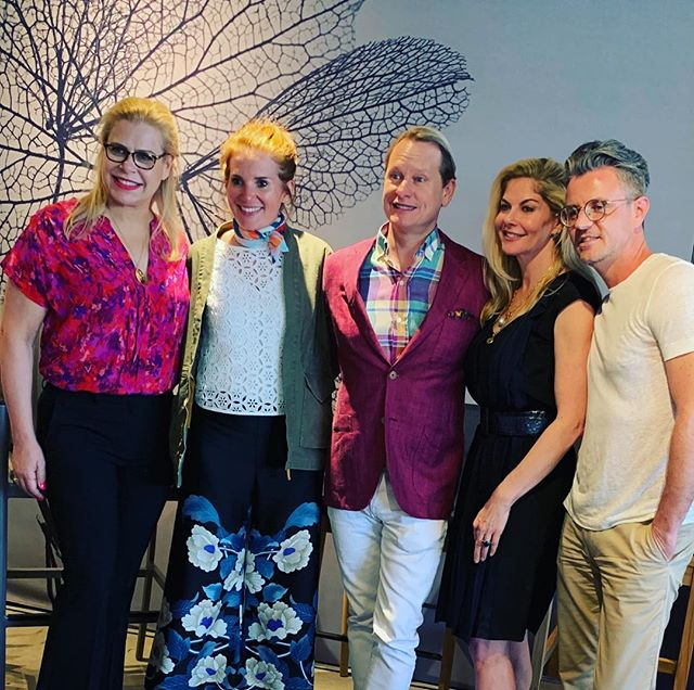 What a FUN talk about design disasters yesterday at the Spring Market at the D&D Building with the ever entertaining panel consisting of @alexahamptoninc @carsonkressley @drewmcgukin and @sarastorydesign and moderated by the ever charismatic @sophiedow  Hosted by @glosternyc . . #ddbspringmarket19 #newyorkinteriordesign