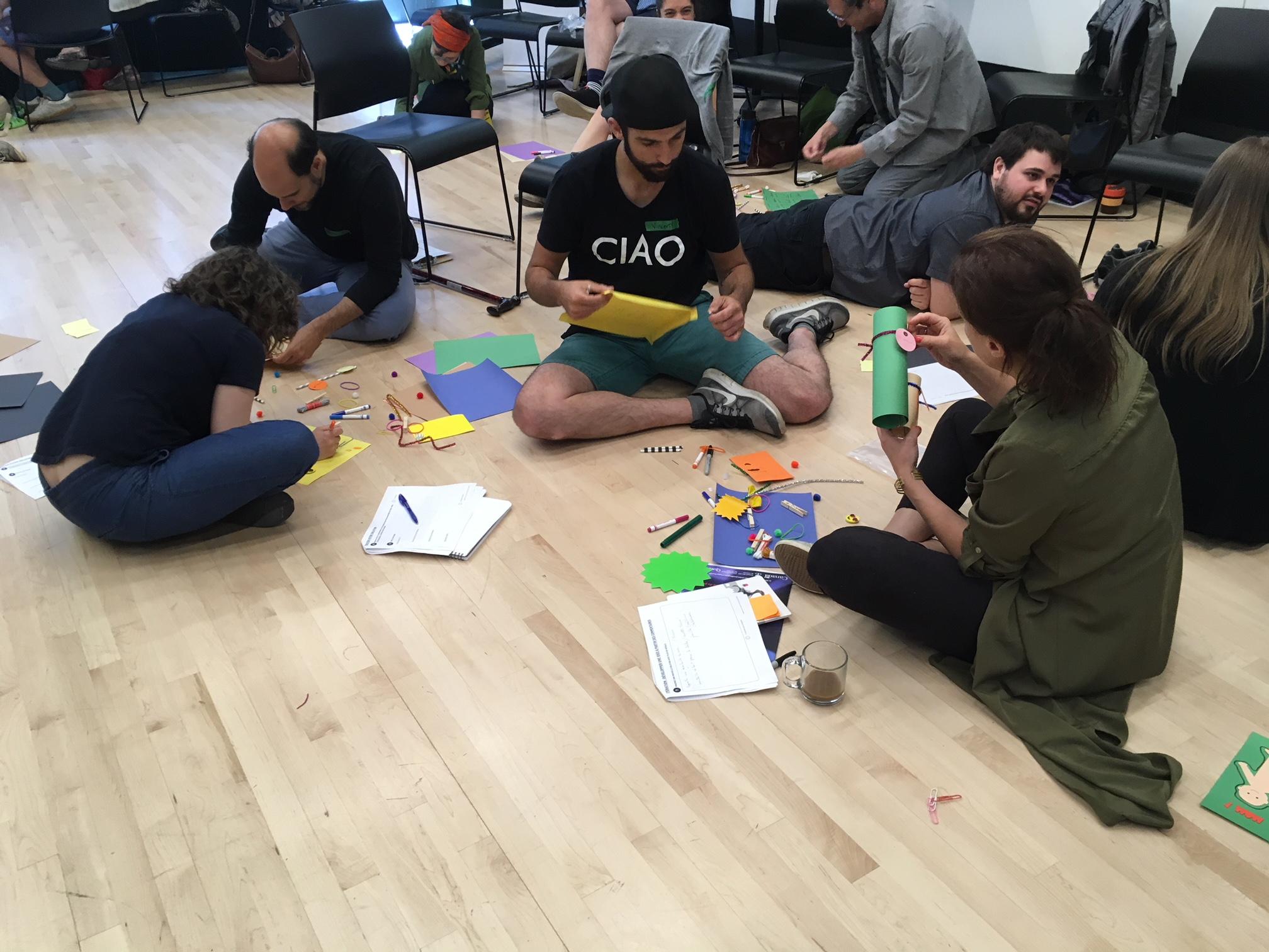 Carrefour international de théâtre - Initiation au Design Thinking pour 40 compagnies et diffuseurs du secteur théâtral francophone. Découvrir le potentiel de créer des oeuvres en empathie avec le citoyen. Une collaboration avec Hanneke Ronken.#DesignThinking #innovation #arts