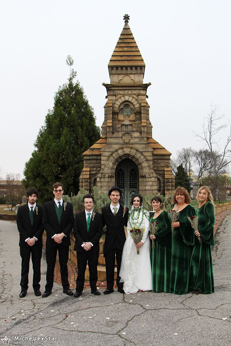Wedding Party and Family Group Portrait Photo Gallery