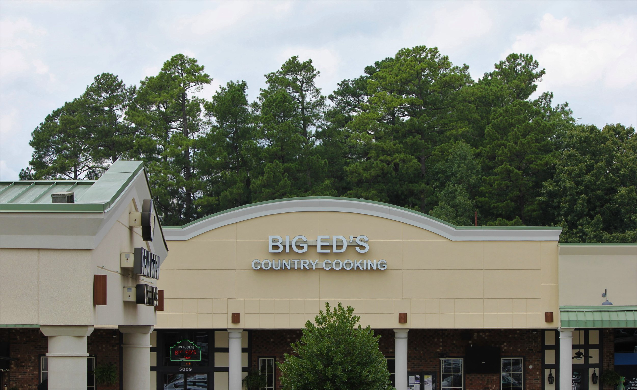 Big Ed's North Street View