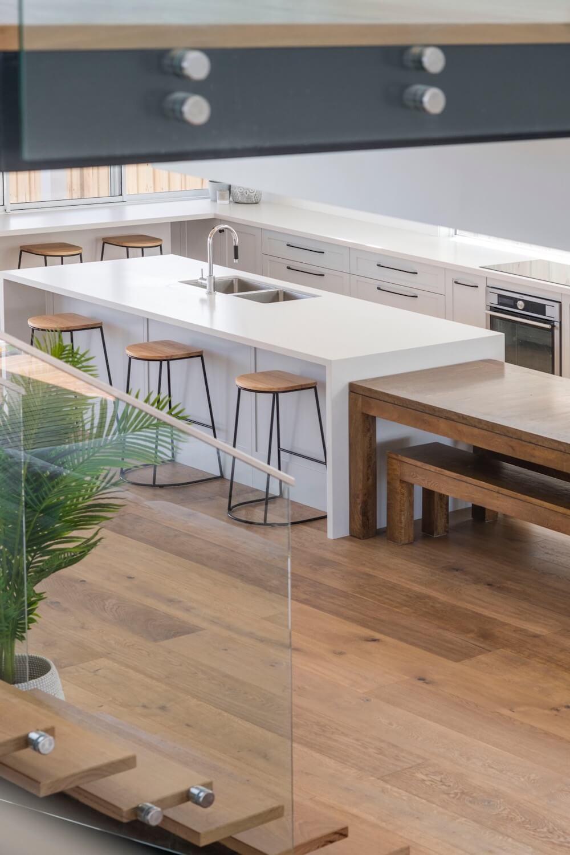 chalet_kitchen4.jpg