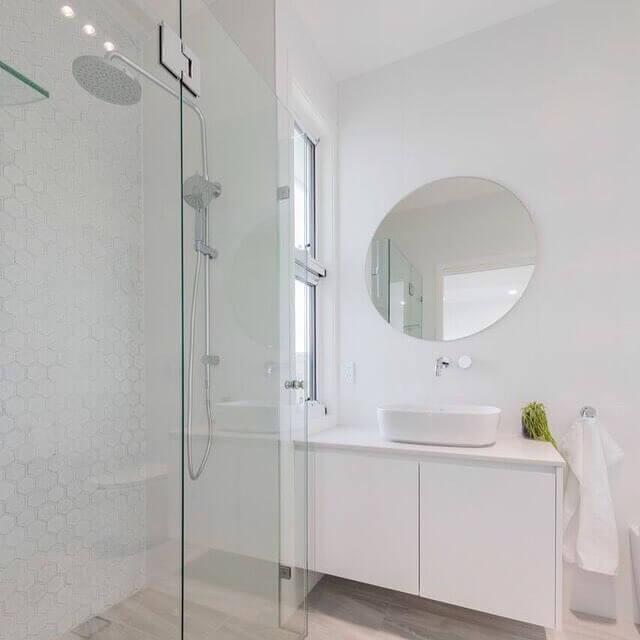chalet_bathroom1.JPG
