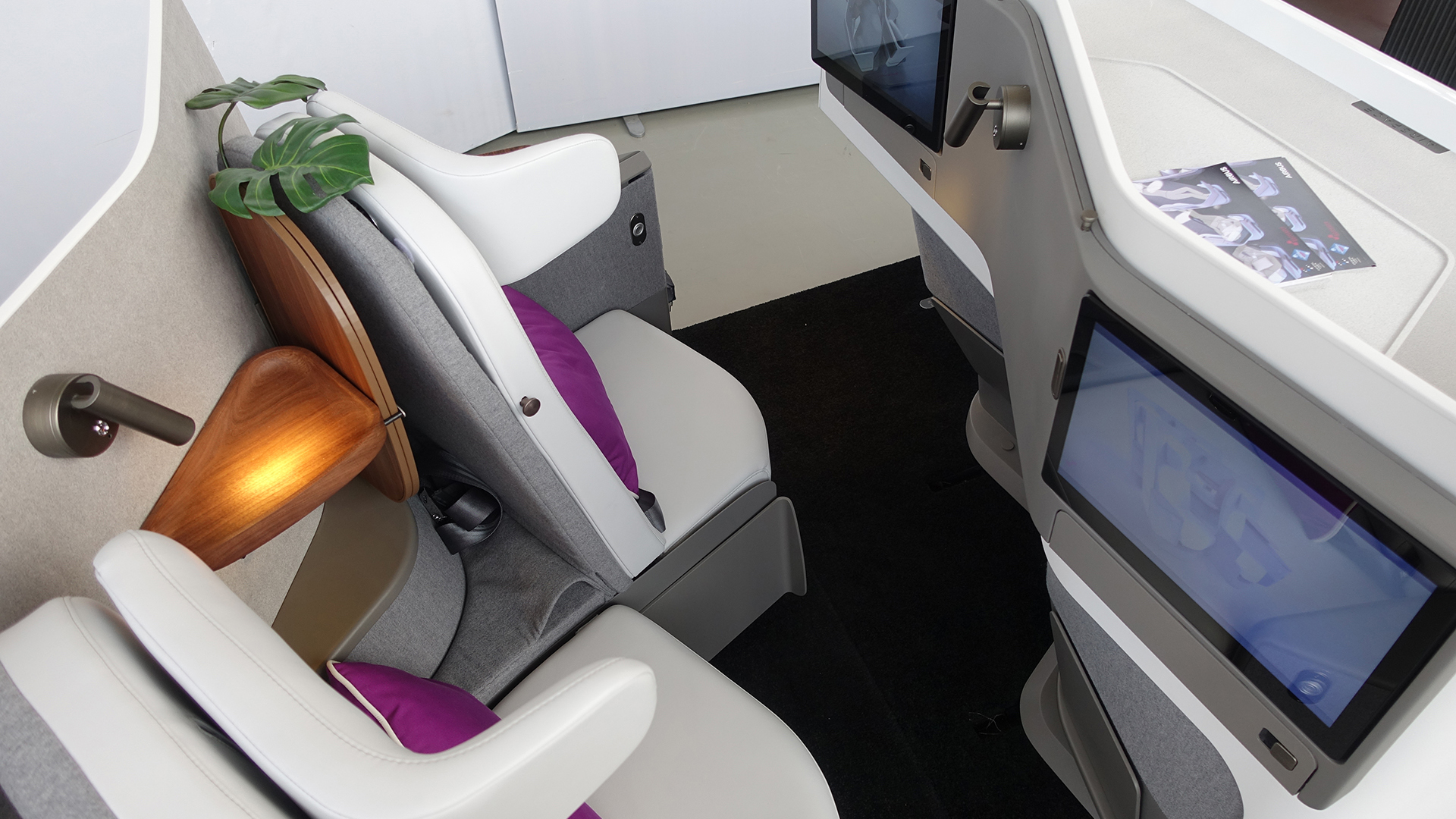 Butterfly Seating in Aircraft Interior Expo Hamburg 2018