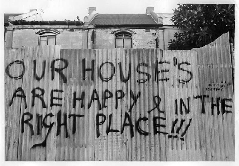 Our houses are happy… Point & Scott Sts. Eviction of squatters, 1988 City of Sydney, 065208