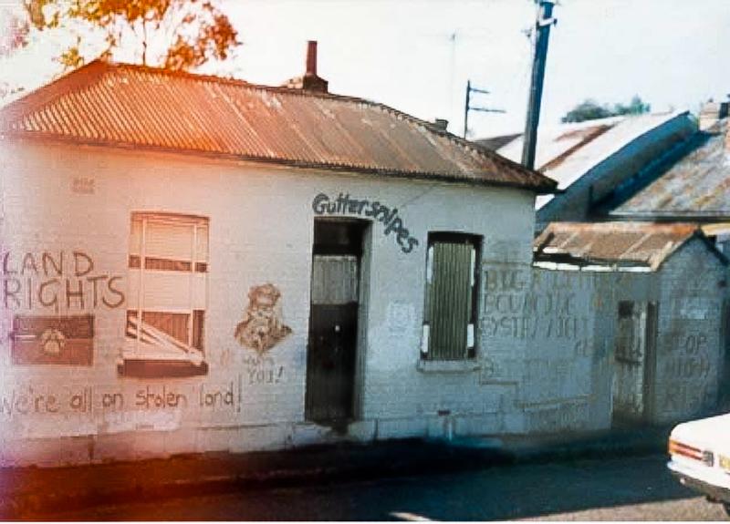 Toby Zoates's Place, 6 Scott St, c1988. Linda Snook, photographer