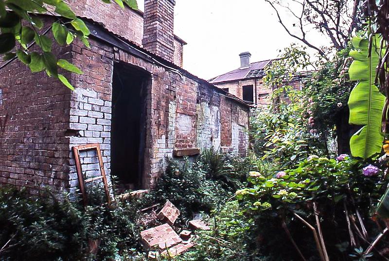 Derelict Scott St cottage, 1980s