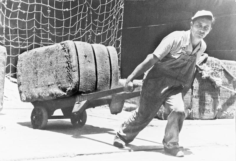02. Moving wool bales, No 22 Wharf Pyrmont, 1940s, SLNSW copy.jpg