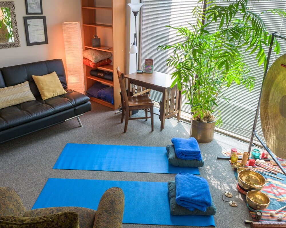 The space for individuals, couples and small groups