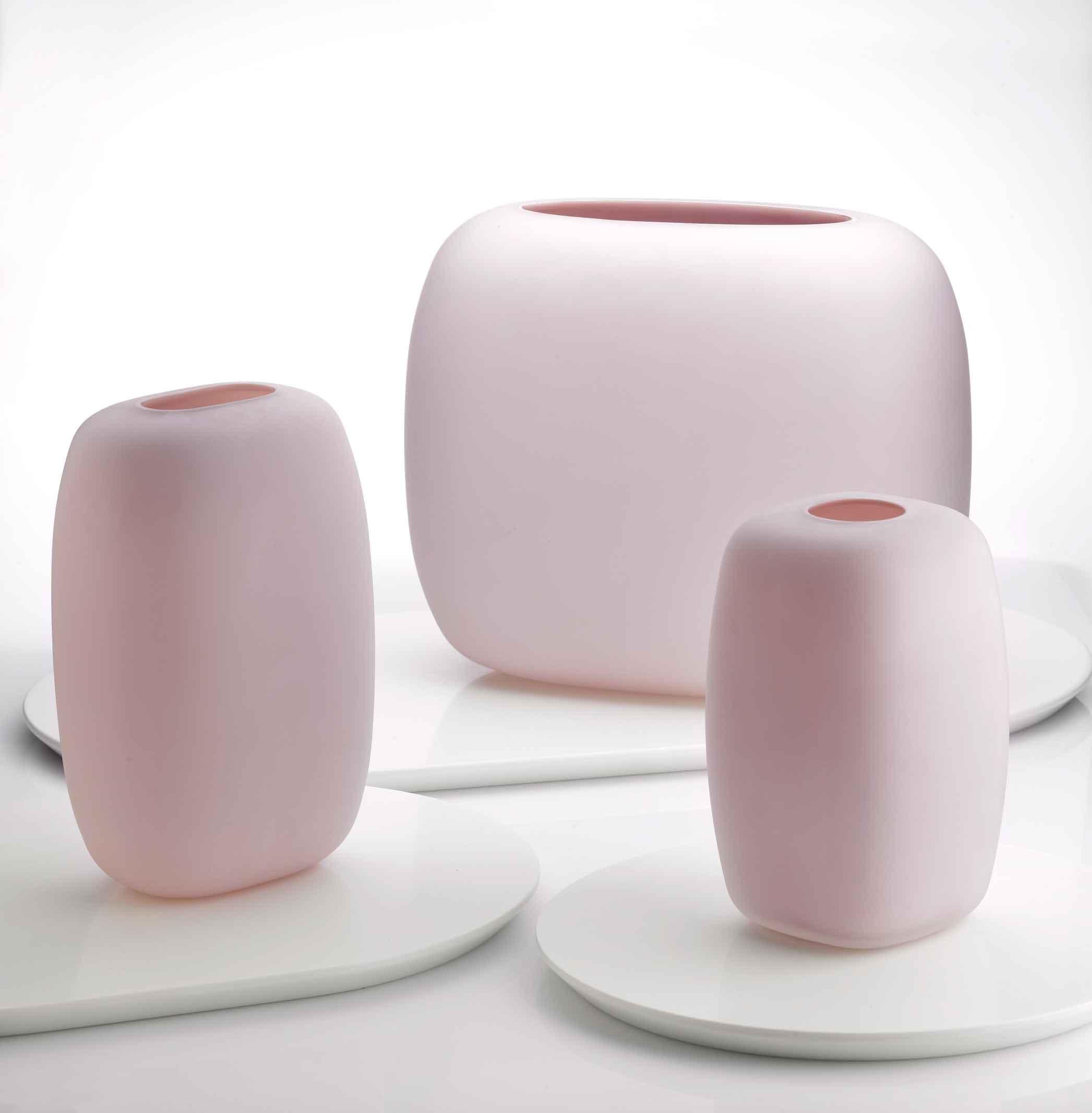 Adrien-Rovero-Studio-sweets-Glass-is-Tomorrow-meets-Nude-4.jpg