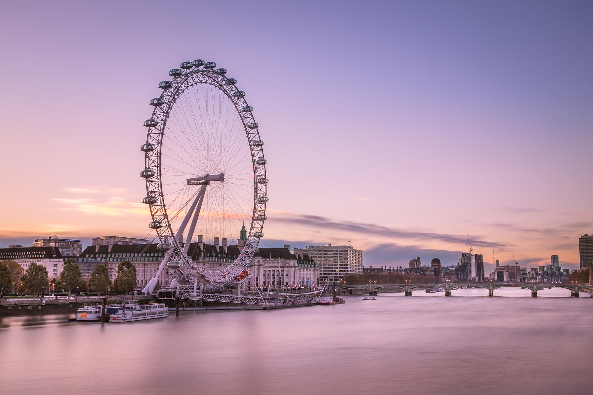 Long exposure photo of the London Eye at Sunrise taken by Trevor Sherwin