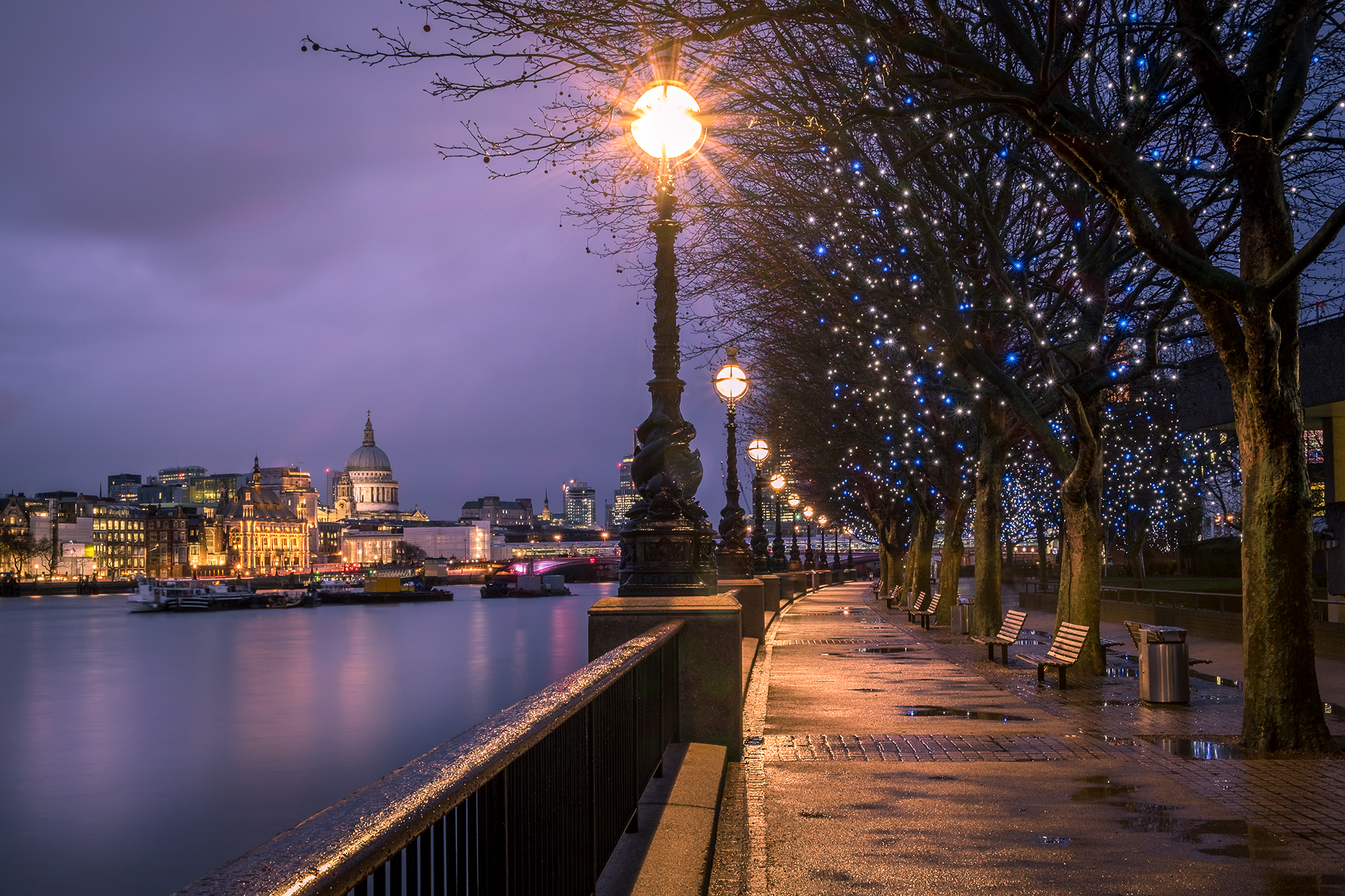 Photo of Londons South Bank taken at night by Trevor Sherwin