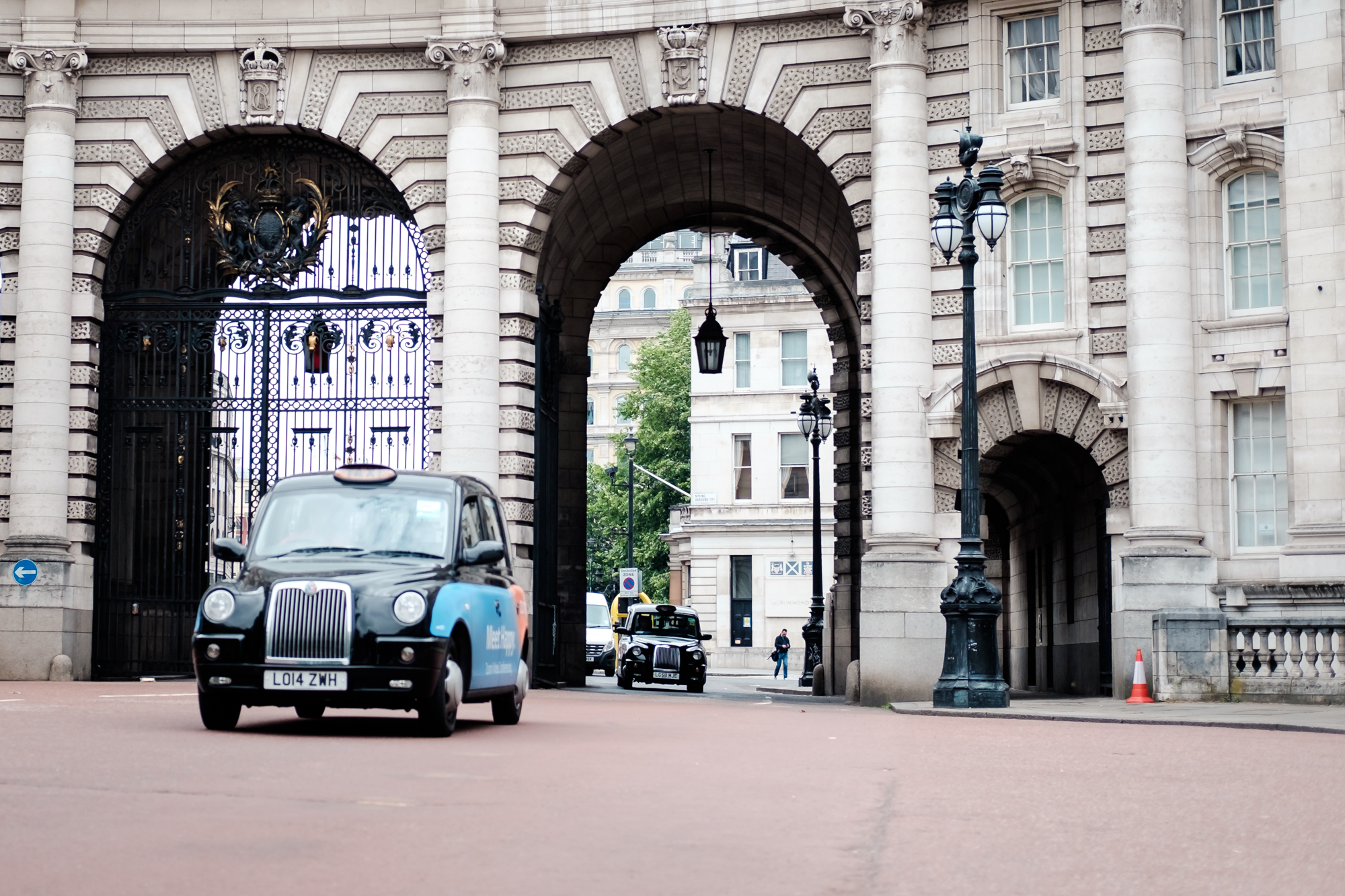 Photo of a black cab in London by Trevor Sherwin