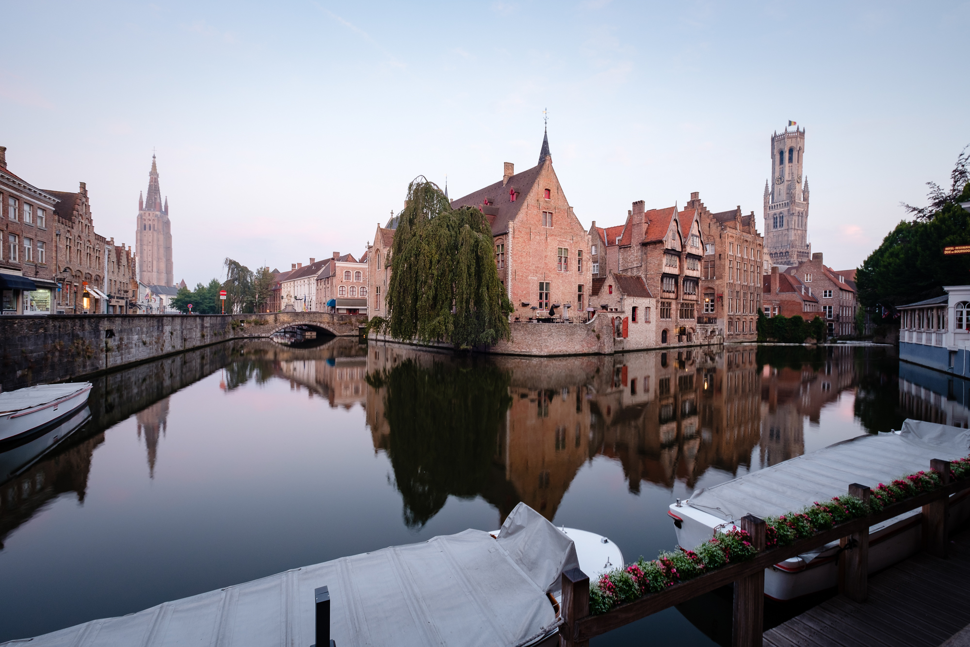 A photo of the Dijver Canal at the Relais Bourgondisch Cruyce in Bruges, Belgium taken by Trevor Sherwin