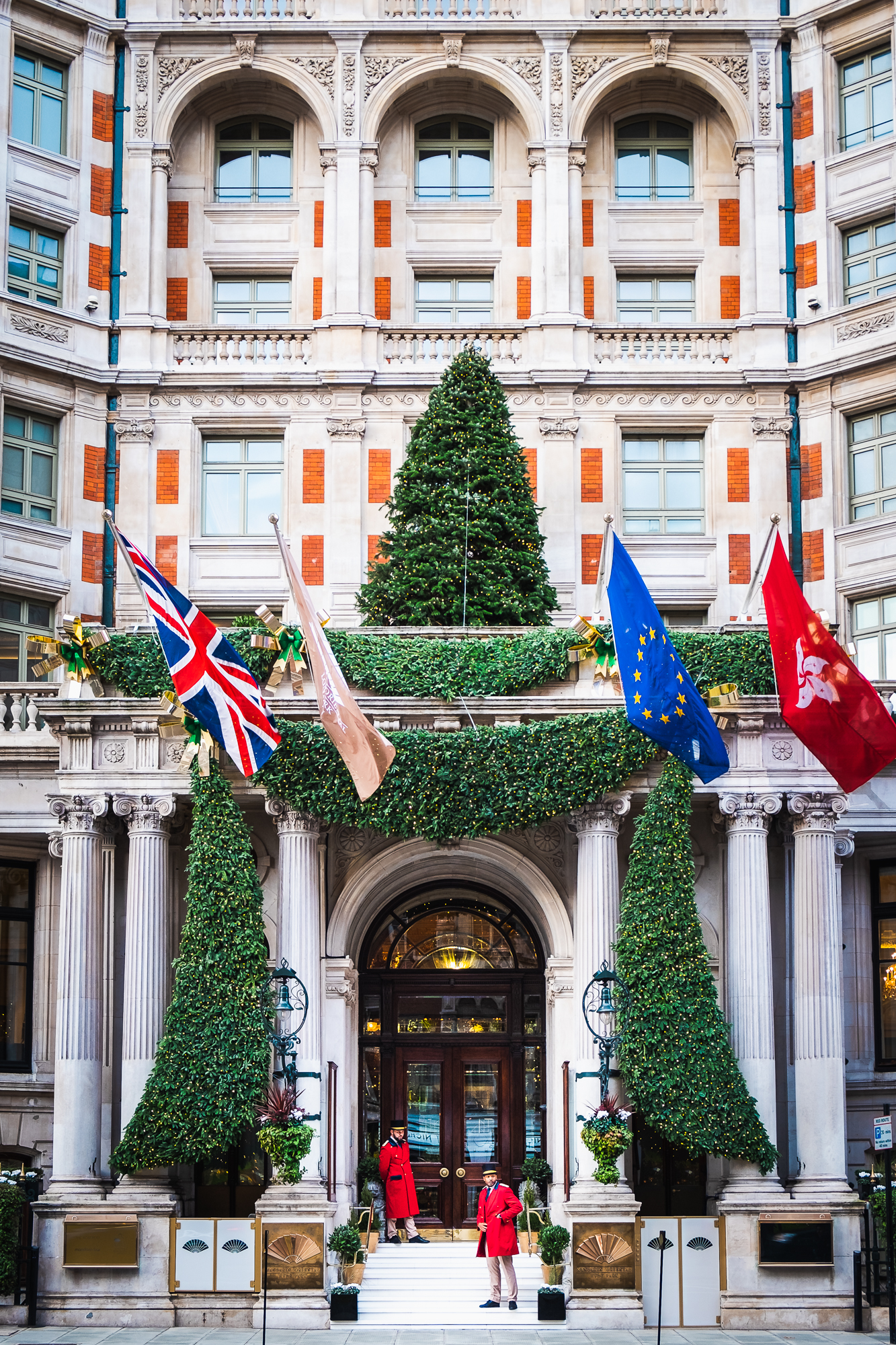 A photo of the Mandarin Oriental hotel in London at Christmas taken by Trevor Sherwin