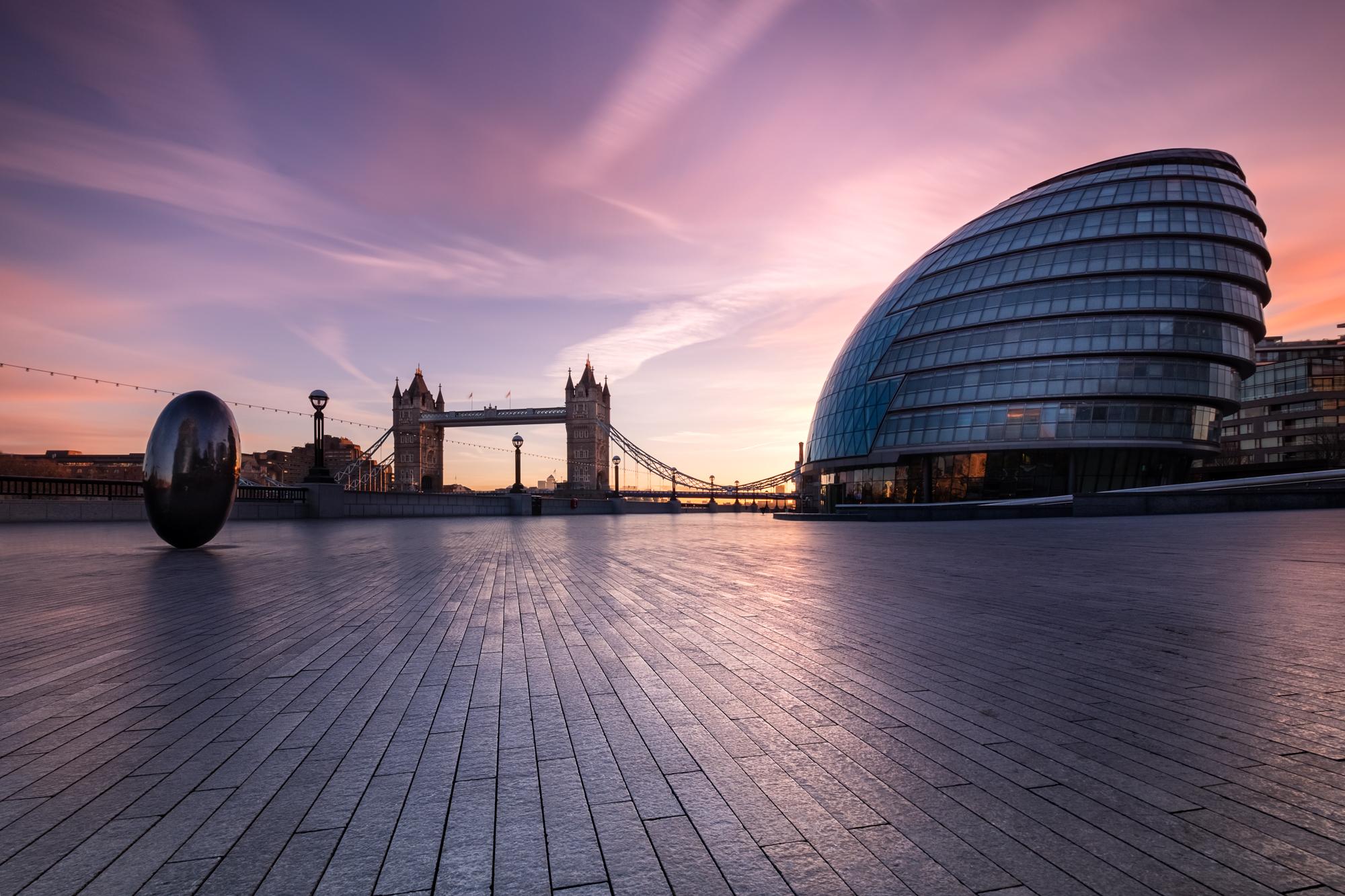 Sunrise at City Hall II, London