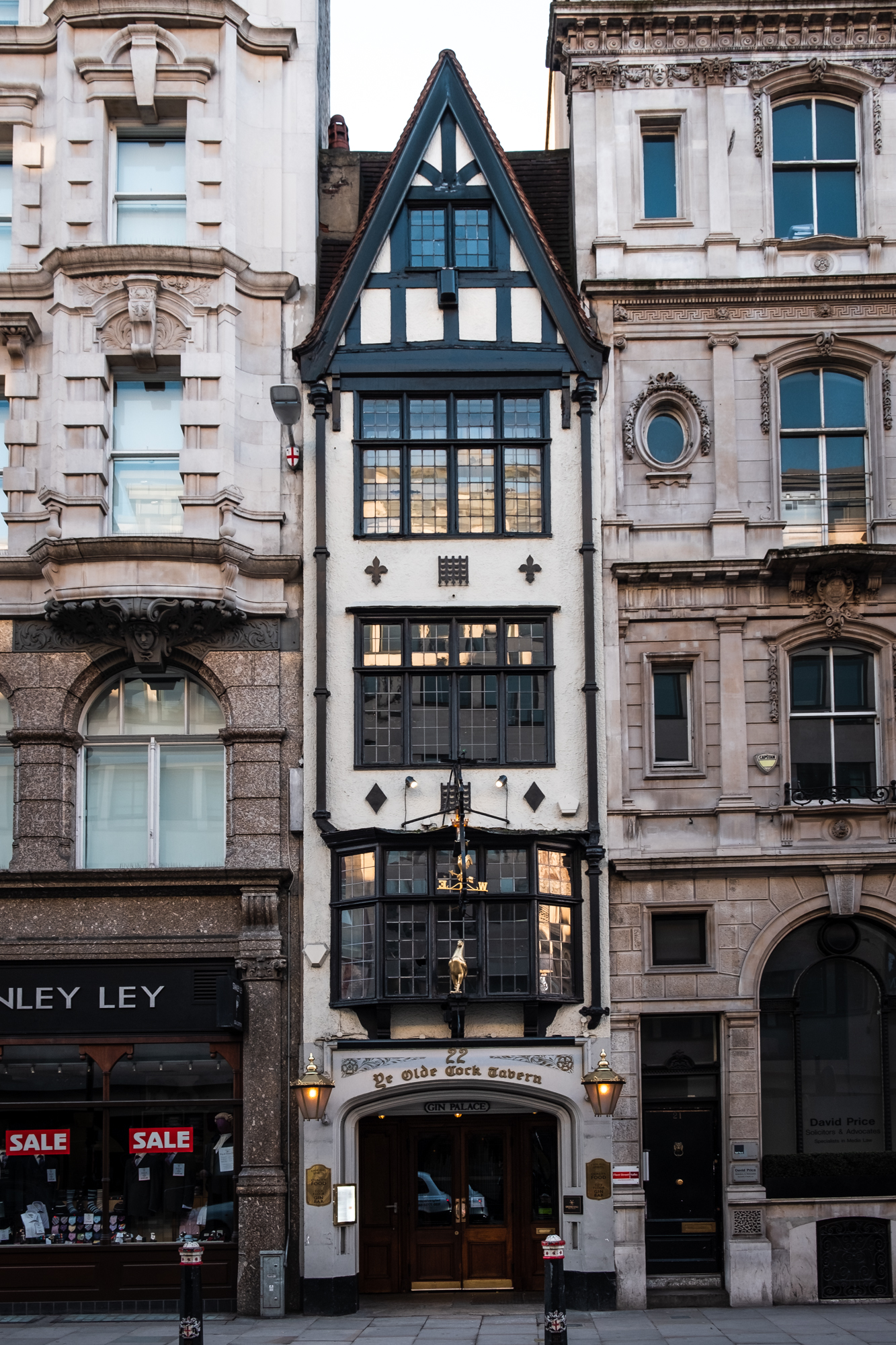 London Chrome -190219 - Souh Bank - 010.jpg