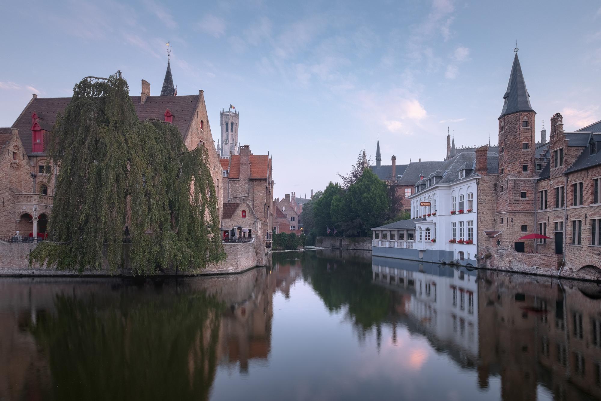 180722 - Bruges - Sunrise - Dijver Canal 002.jpg