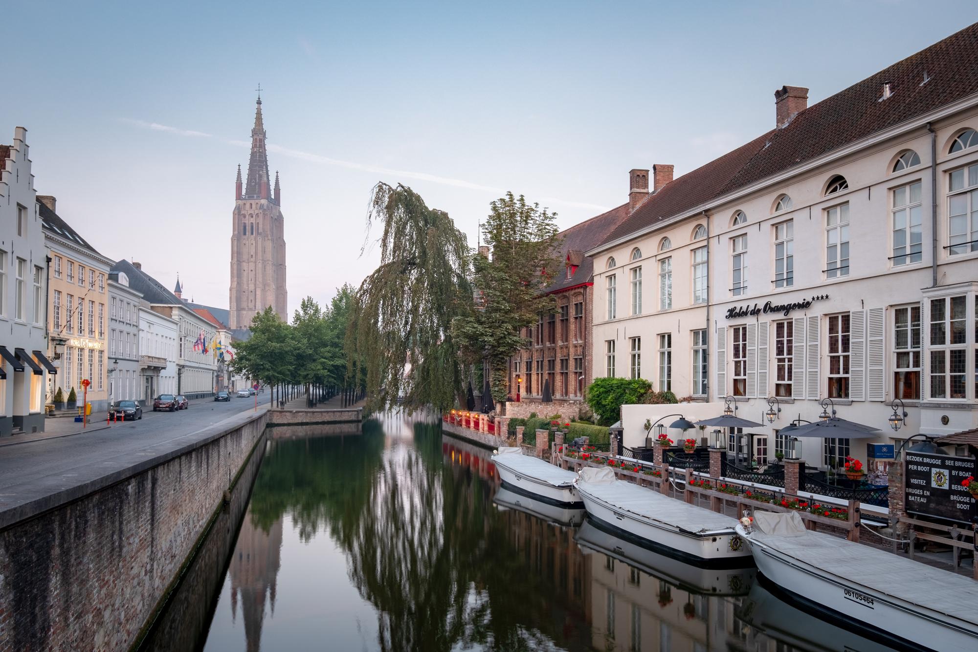 180722 - Bruges - Sunrise - Dijver Canal 003.jpg