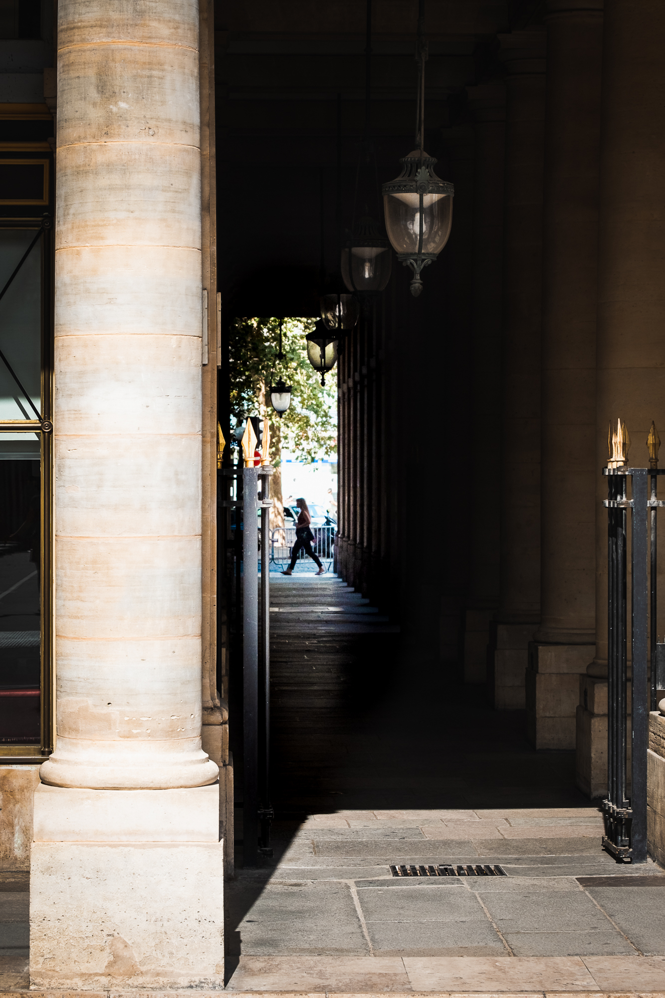 The Louvre Streets | Fujifilm XT2 | XF55-200mm | 55mm | 1/950 second | f/5.6 | ISO200