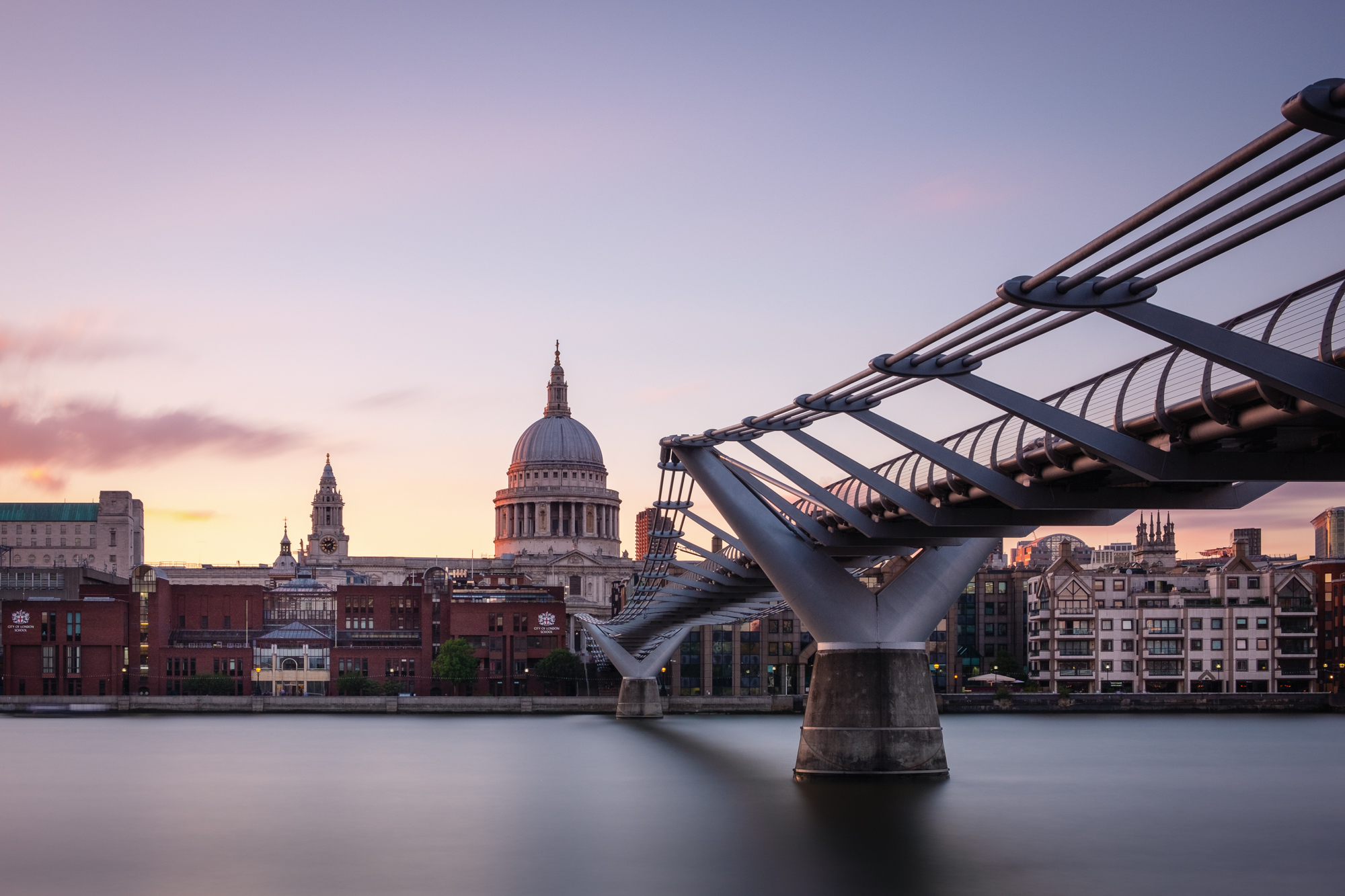 Long exposure photo of St Paul's Cathedral and the Millennium Bridge, London Fujifilm X-T2 | XF18-55mm | 25mm | 161 seconds | f/11 | ISO200