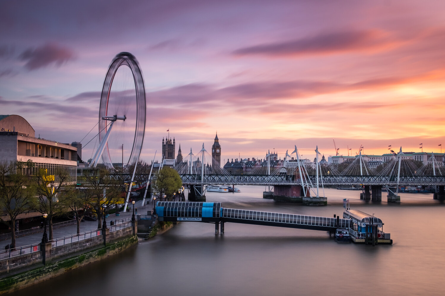 Sunset Over Westminster | Fujifilm XT-10 | XF18-55mm | 23mm | 58 Seconds | f/11 | ISO200