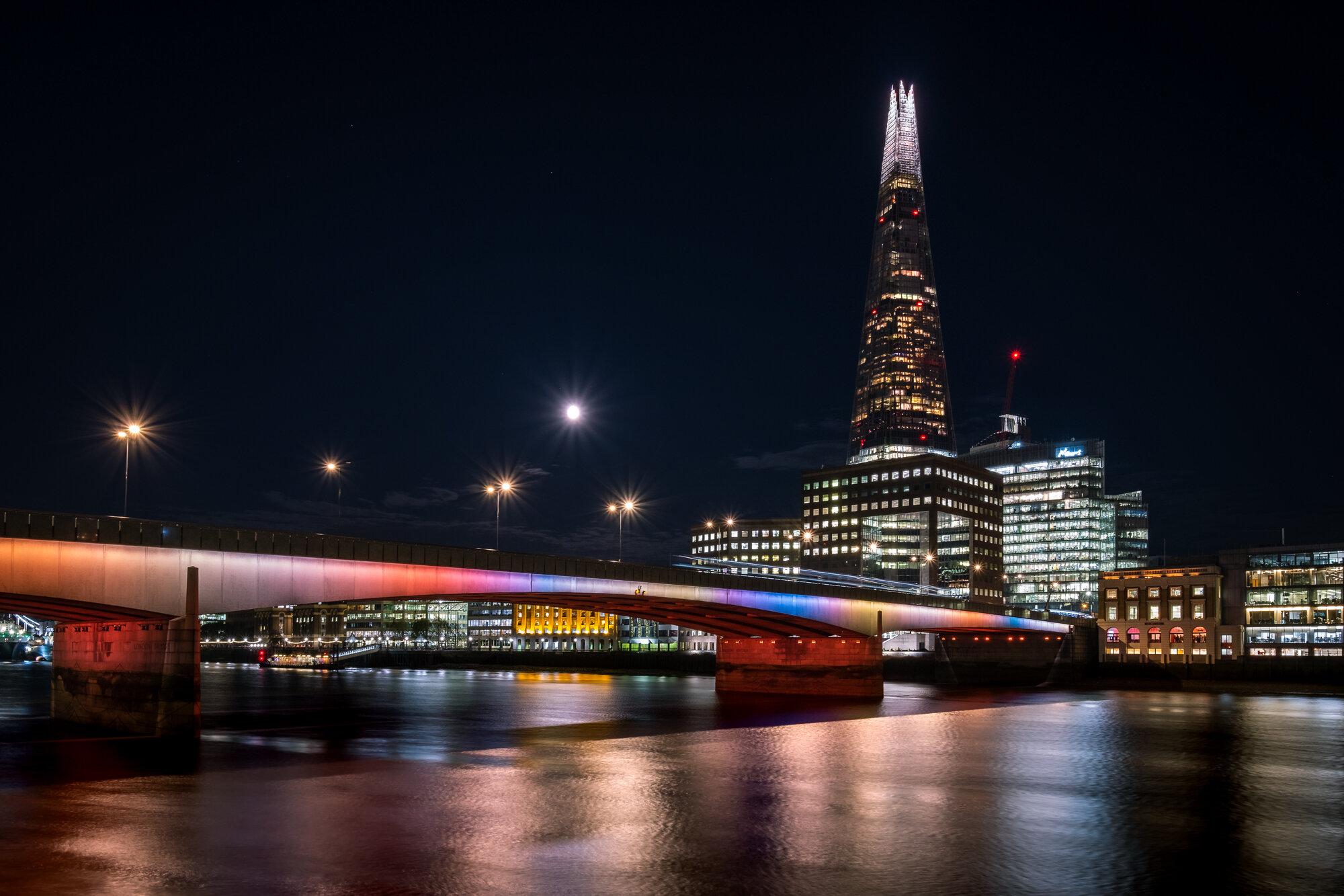 Illuminated River | Fujifilm XT2 | XF10-24mm | 15mm | 6 Seconds | f/10 | ISO200