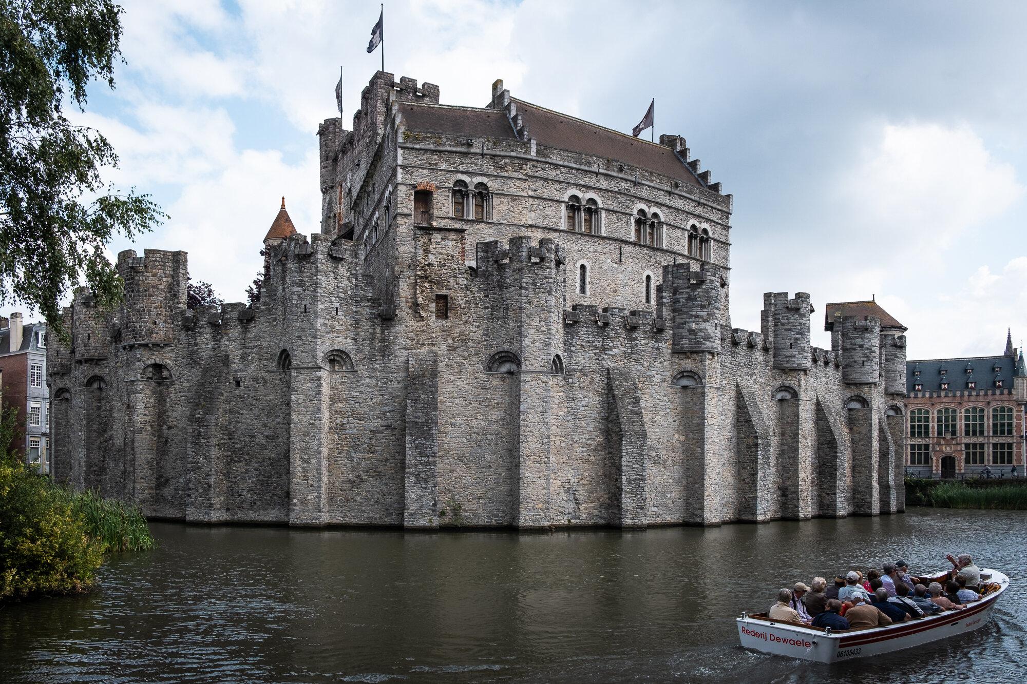 Gravensteen Medieval Castle | Fujifilm XT-30 | XF18-55mm | 18mm | 1/500 Second | f/6.4 | ISO160