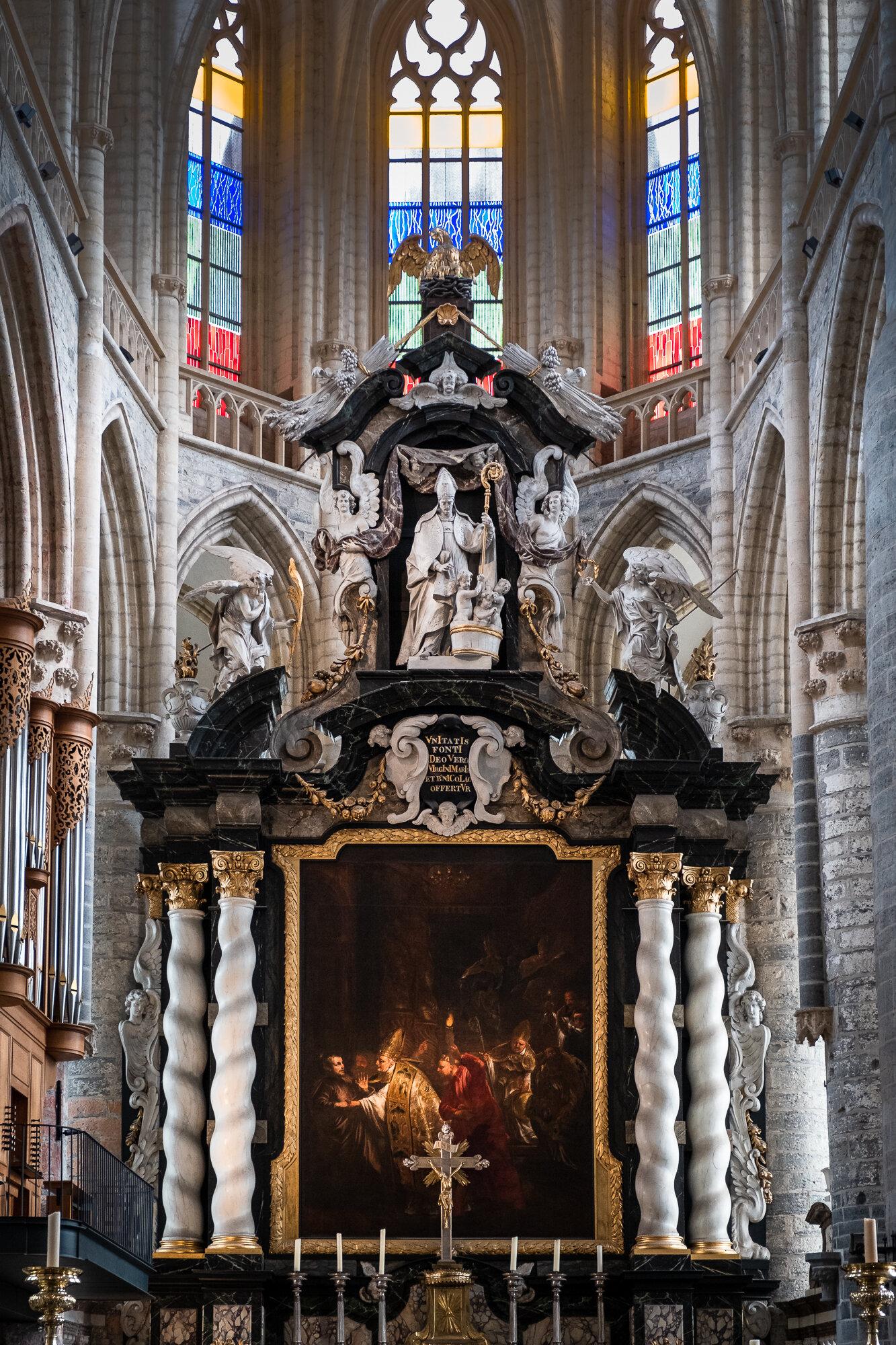 The beautiful interior of St. Nicholas' Church