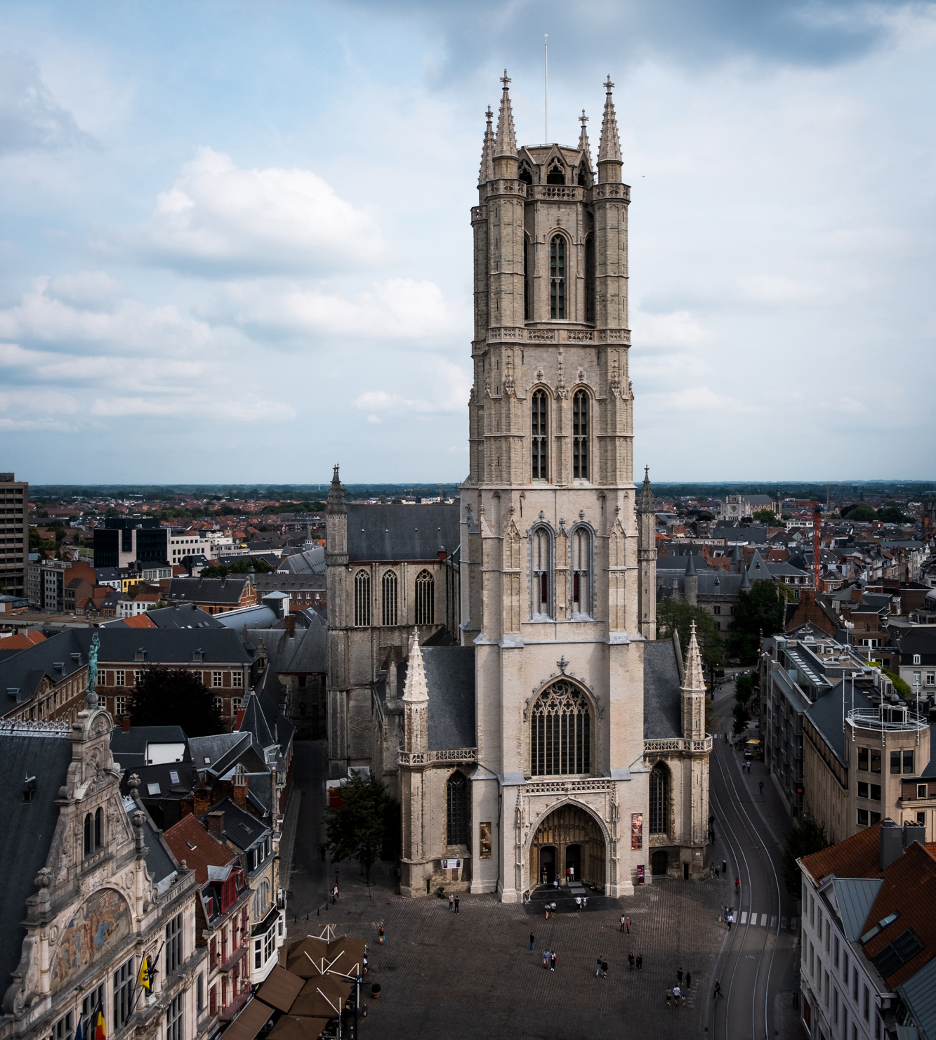 Saint Bavo Cathedral taken from the top of the Belfry of Ghent | Fujifilm XT-30 | XF18-55mm | 18mm | 1/3,000 Second | f/2.8 | ISO160