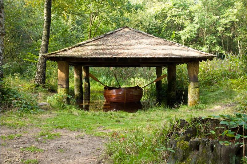 Eddy, Plywood, chestnut and oak, 2014 . Image credit: Yorkshire Sculpture Park